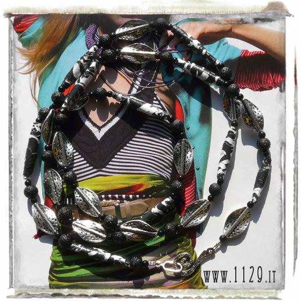 LCZEBRA altered art collana bianco nero perle carta paper beads black white handmade necklace 104cm 1129design